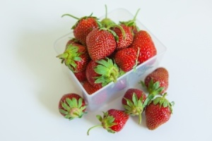strawberries - pint20377796_s